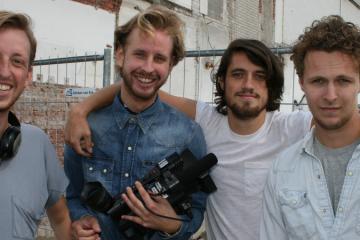 De vier jongens in het televisieprogramma Streetlab
